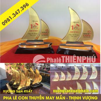 Sản xuất kỷ niệm chương pha lê con thuyền, làm kỷ niệm chương pha lê con thuyền